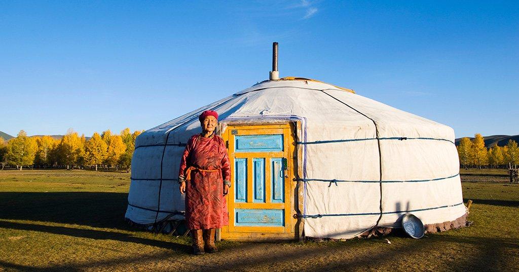 La mongolie int rieure une destination l affiche for Cuisine yourte